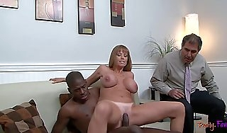 Cuckolding housewife drilled by blackguardly dong